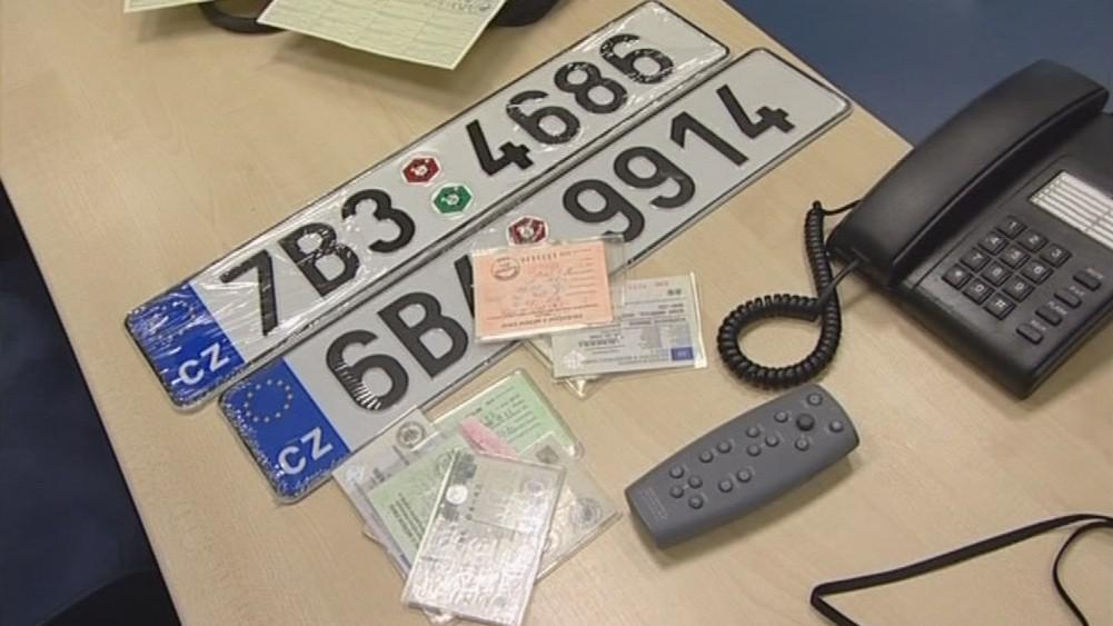 S dokladem o provedení technické kontroly dostali řidiči často i novou registrační značku