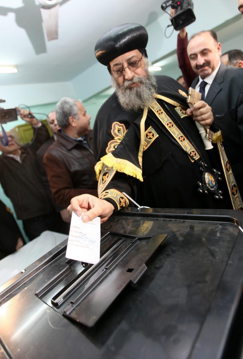 Papež Tavadros hlasuje o nové ústavě