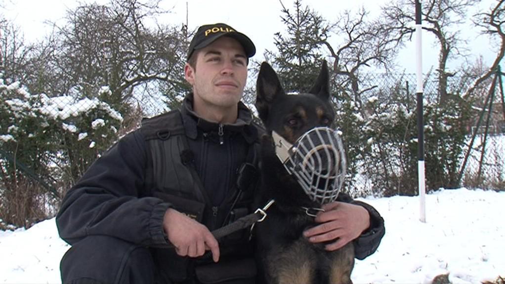 Psovod Vojtěch Konečný se svým služebním psem Markem