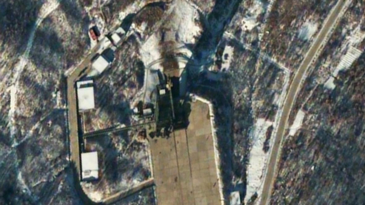 Vesmírné středisko Tongčang-ri hodinu po odpálení rakety