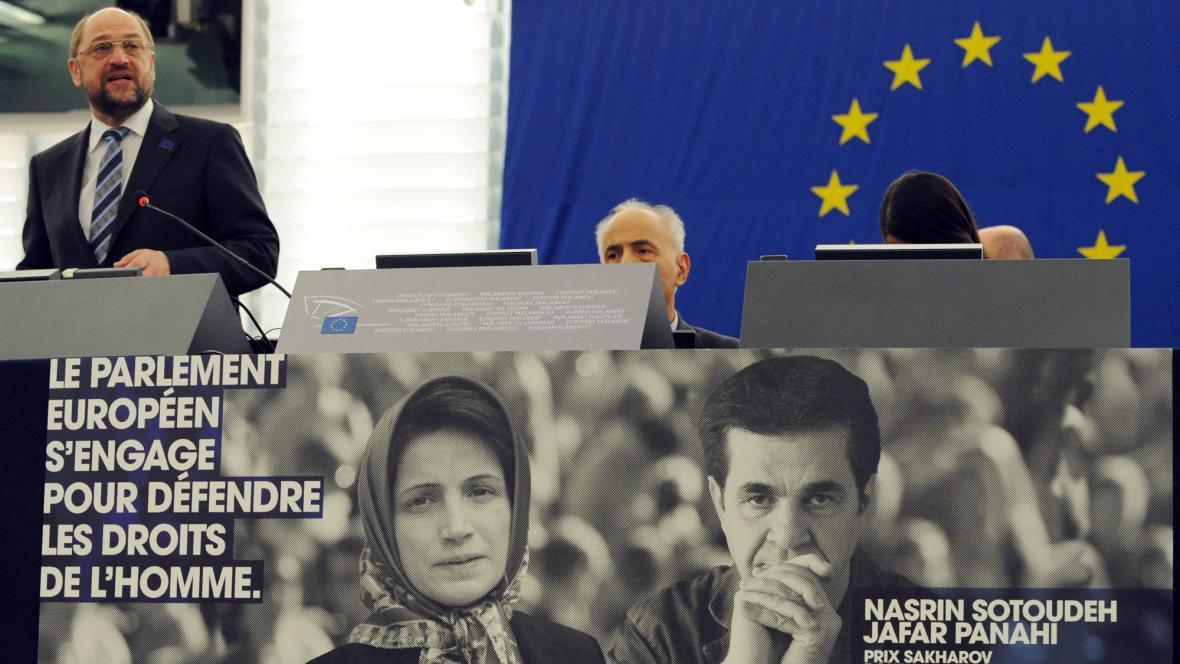 Martin Schulz předává Sacharovovu cenu