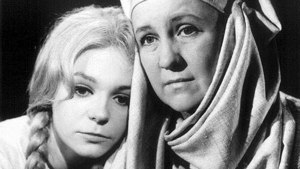 Klára Jerneková a Antonie Hegerlíková / Sedmero krkavců, 1967