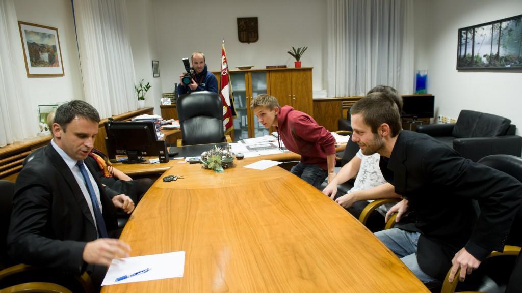 Studenti se sešli s hejtmanem Zimolou