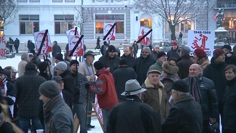 Na demonstraci se sešlo asi 200 lidí