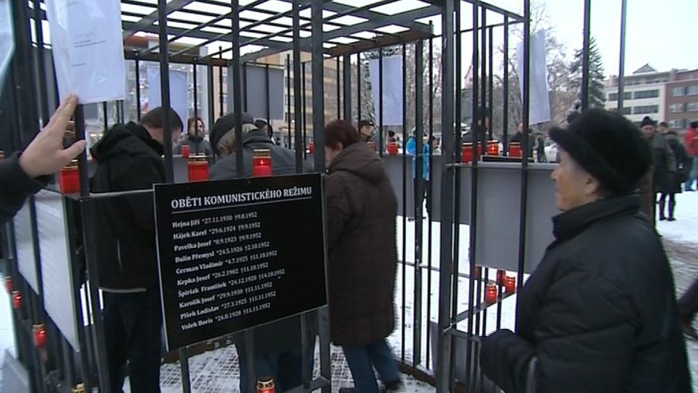 Petici proti účasti KSČM na vládě v kraji podepsalo 8 tisíc lidí