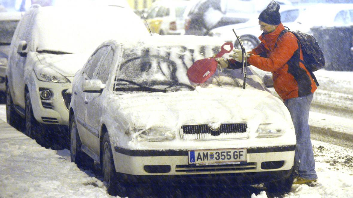 Sníh zasypal Prahu