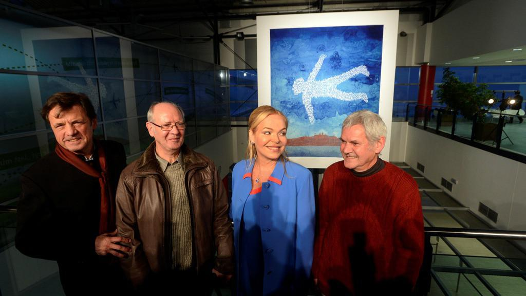 Petr Sís a Dagmar Havlová s autory havlovské tapisérie