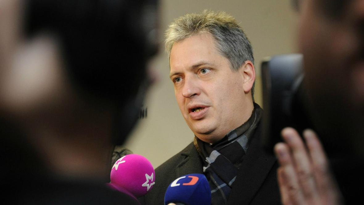 Jiří Dienstbier po jednání s KSČM