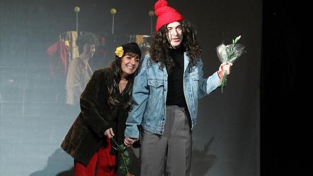 Darda (Bára Hrzánová vlevo, Petr Vacek)