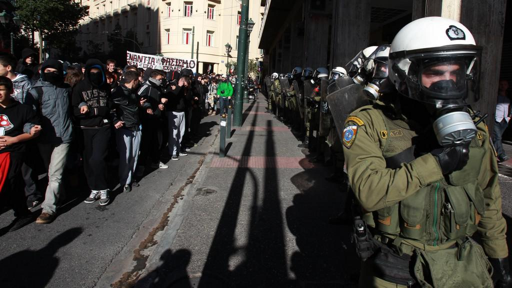 Mladí Řekové demonstrovali v ulicích