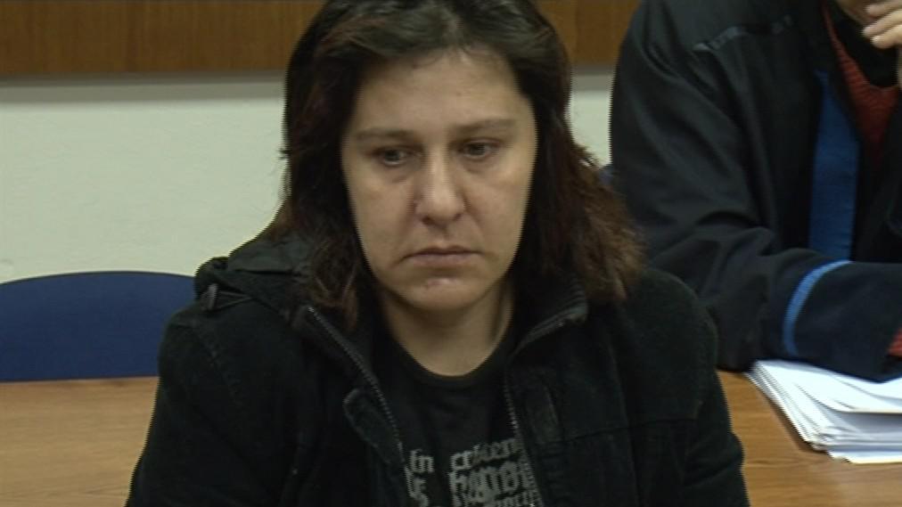 Obžalovaná, která zabila dítě, u soudu