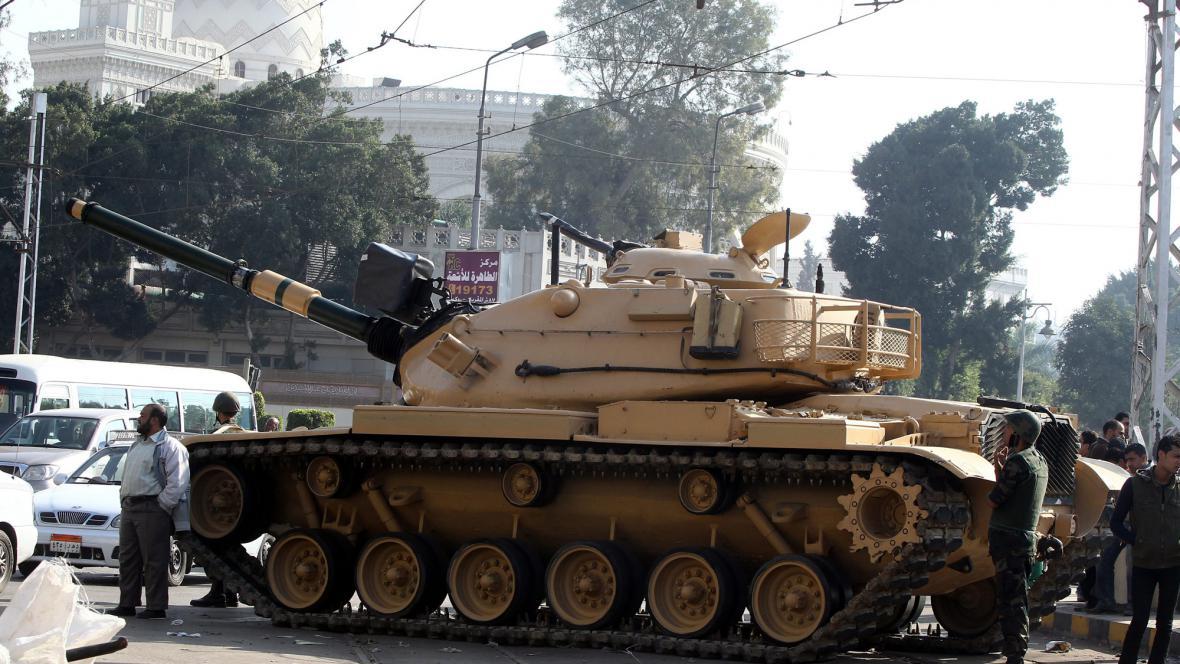 Tank před prezdientským palácem