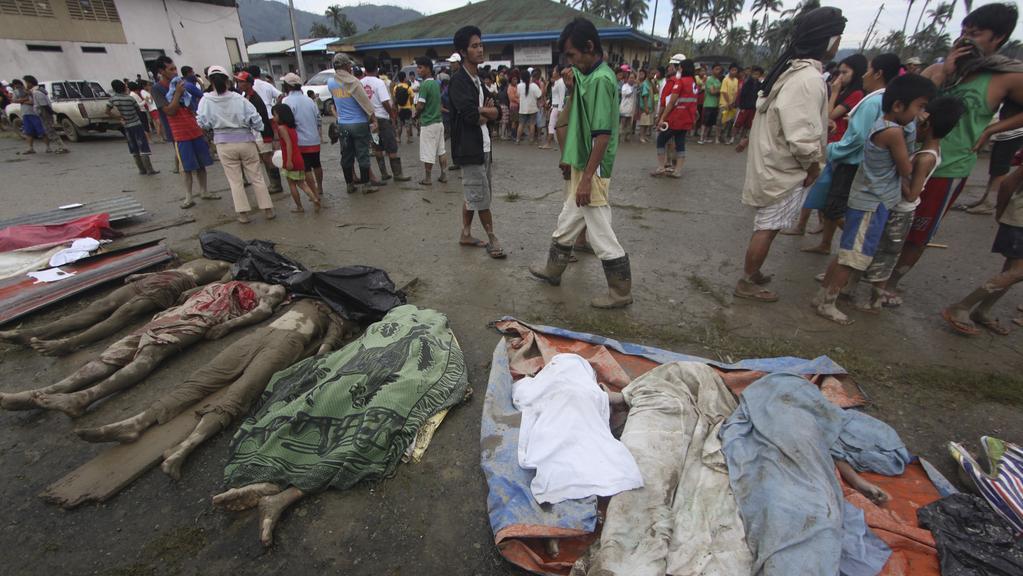 Oběti tajfunu Bopha na Filipínách