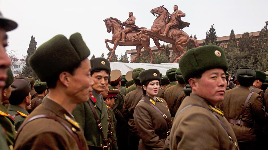 Jezdecké sousoší Kim Ir-sena a Kim Čong-ila