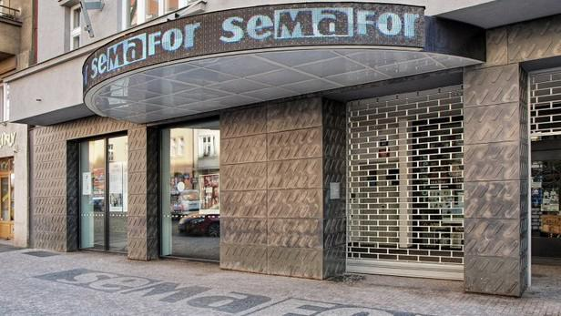 Budova Divadla Semafor