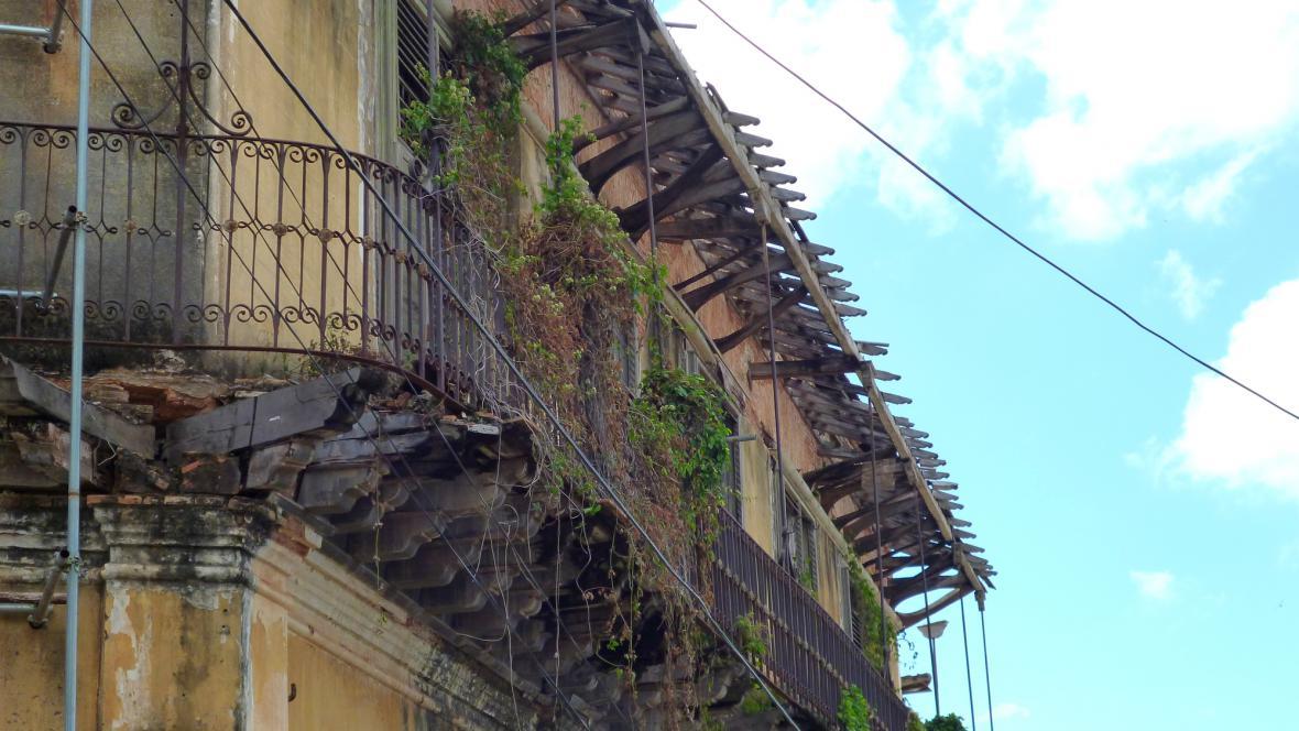 Rozpadající se architektonický klenot
