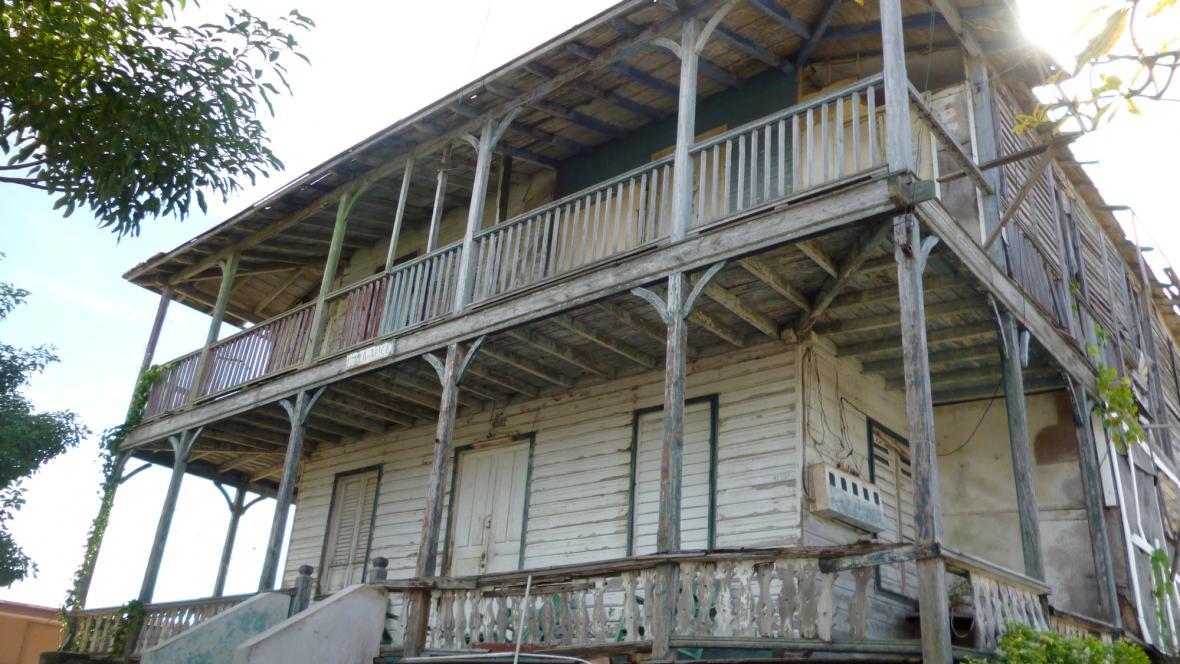 Jedna z kdysi výstavních vil ve Varaderu