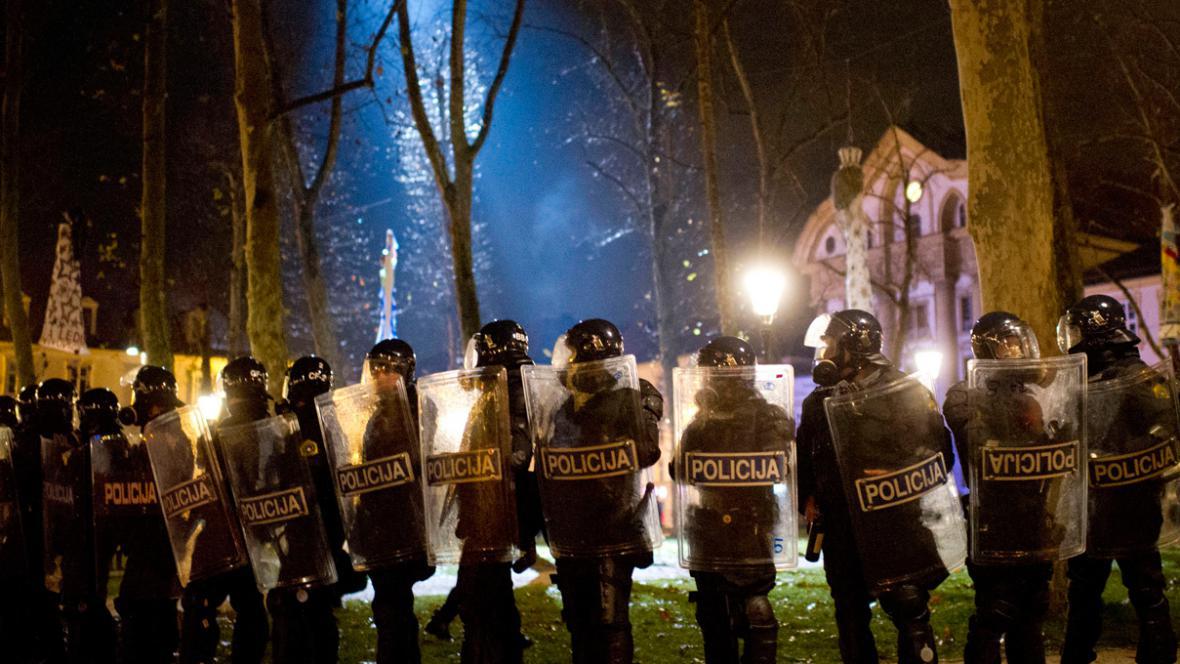 Slovinská policie zasahuje proti demonstrantům