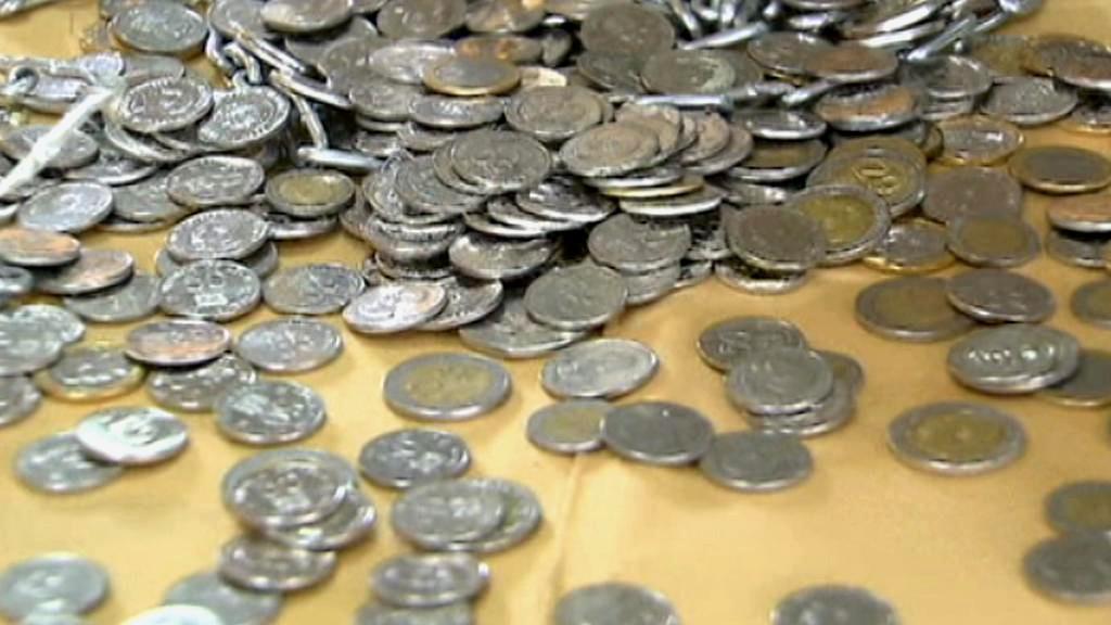 V Keni se učí hospodařit s mincemi