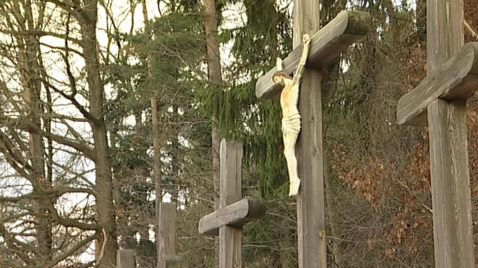 Archeologové u kříže žádné kosterní pozůstatky nenašli
