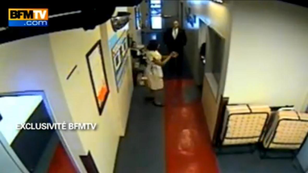 Záběry z bezpečnostních kamer newyorského hotelu