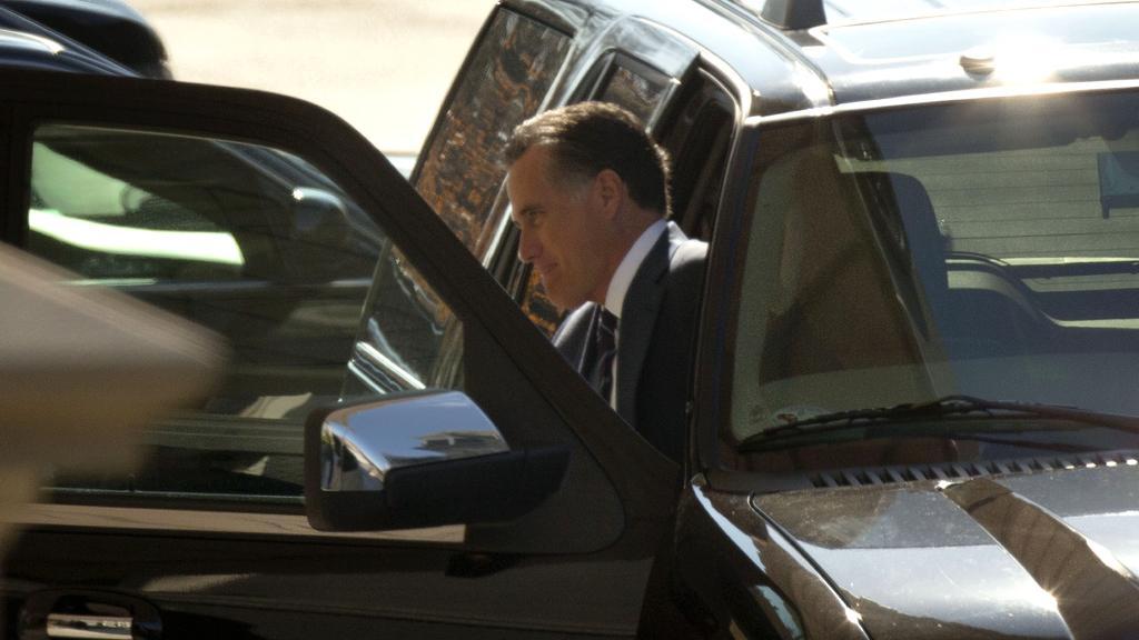 Mitt Romney přijíždí do Bílého domu