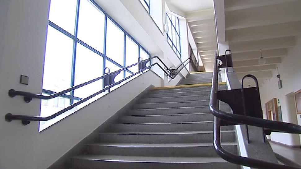 Ve školách ožívají i dříve prázdné chodby