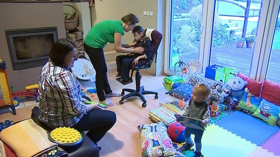 Pracovnice Středisek rané péče jezdí do rodin