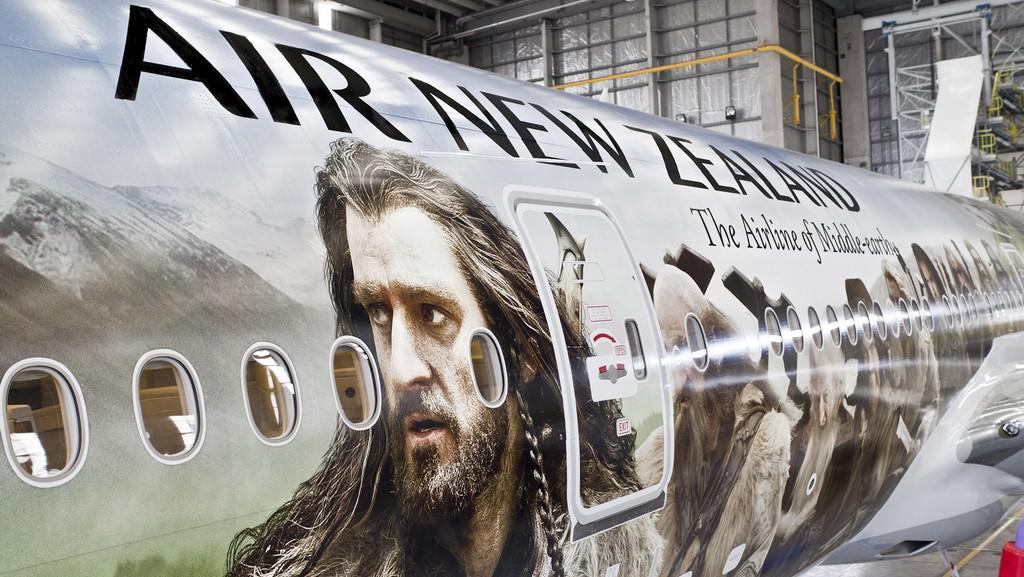 Scény z filmu Hobit: Neočekávaná cesta na letadle novozélandských aerolinek