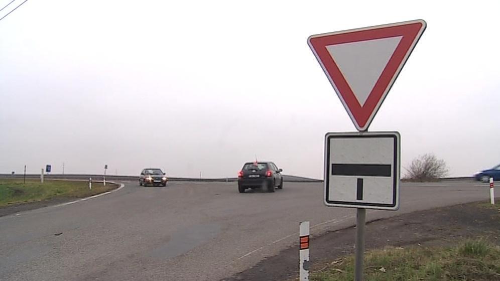 Křižovatka u obce Velešovice je nebezpečná
