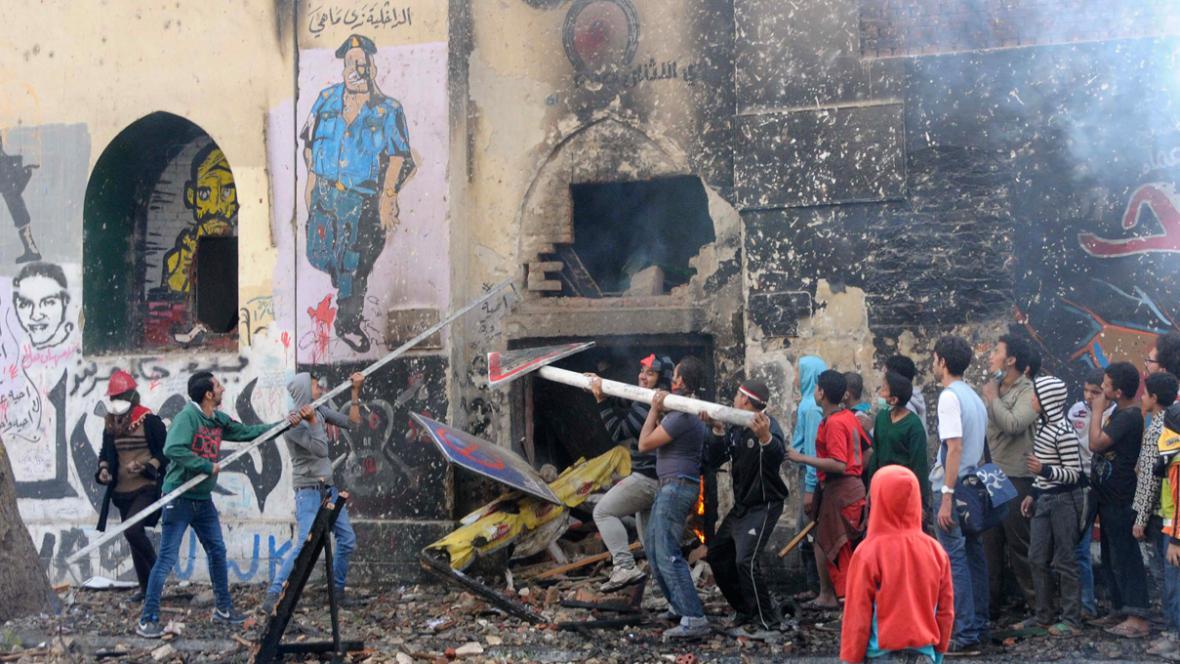 Egypťané demonstrují proti prezidentovi Mursímu