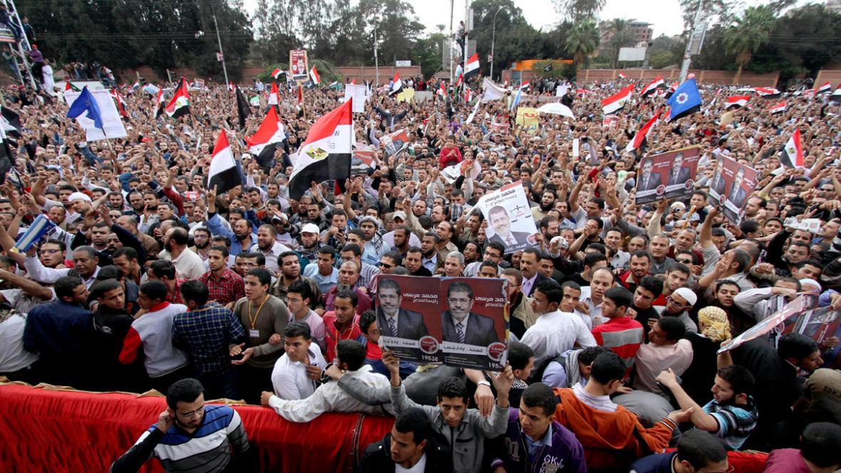 V Egyptě demonstrují příznivci prezidenta Mursího