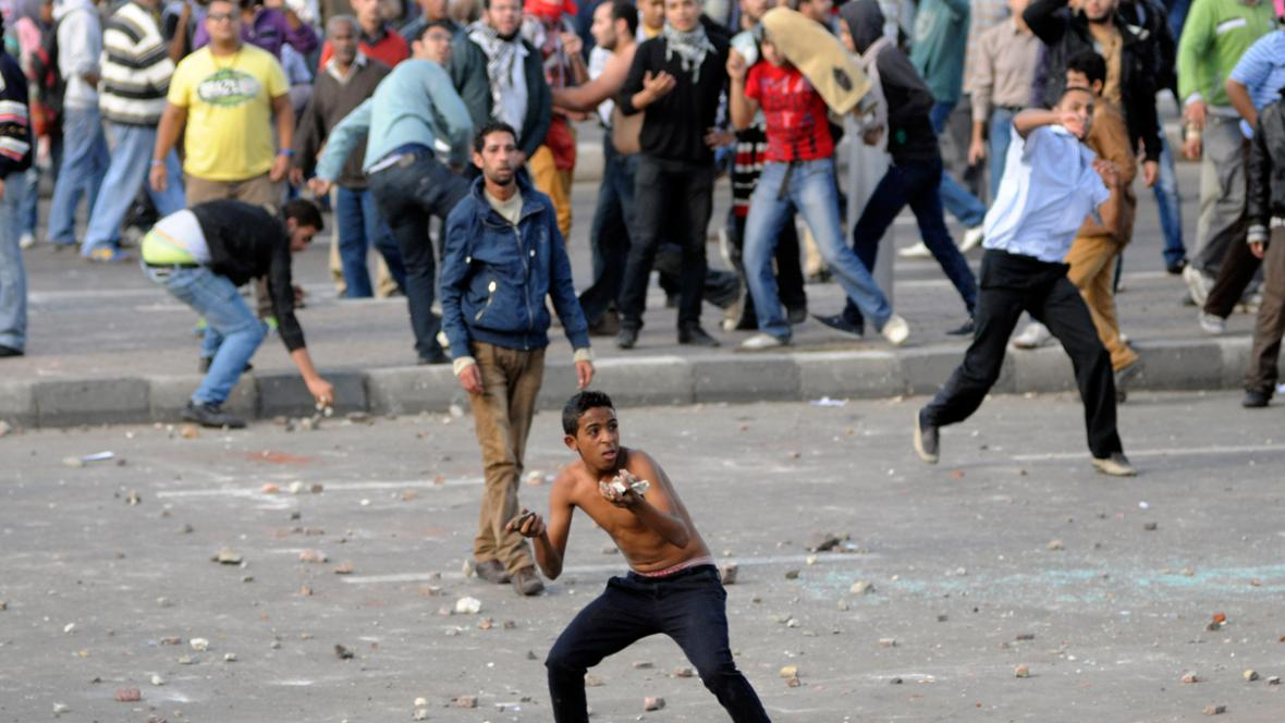 Egyptská demonstrace proti prezidentovi Mursímu v Alexandrii