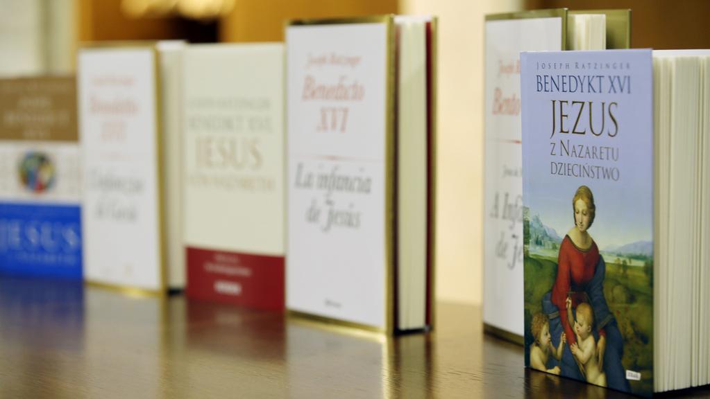 Papež představil poslední část své trilogie o Ježíšovi