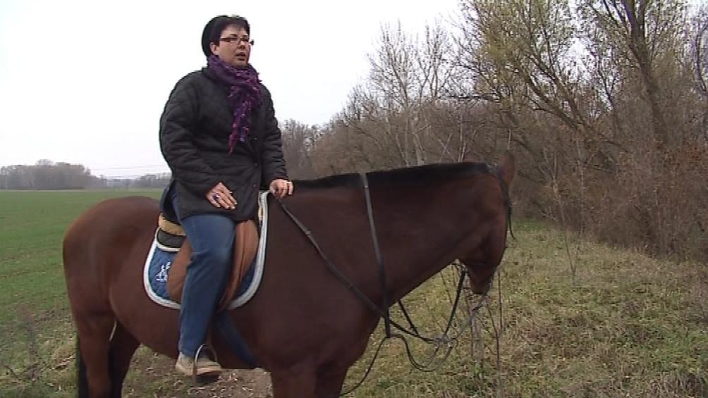 K pátrání po padlých vojácích ji přivedla láska ke koním