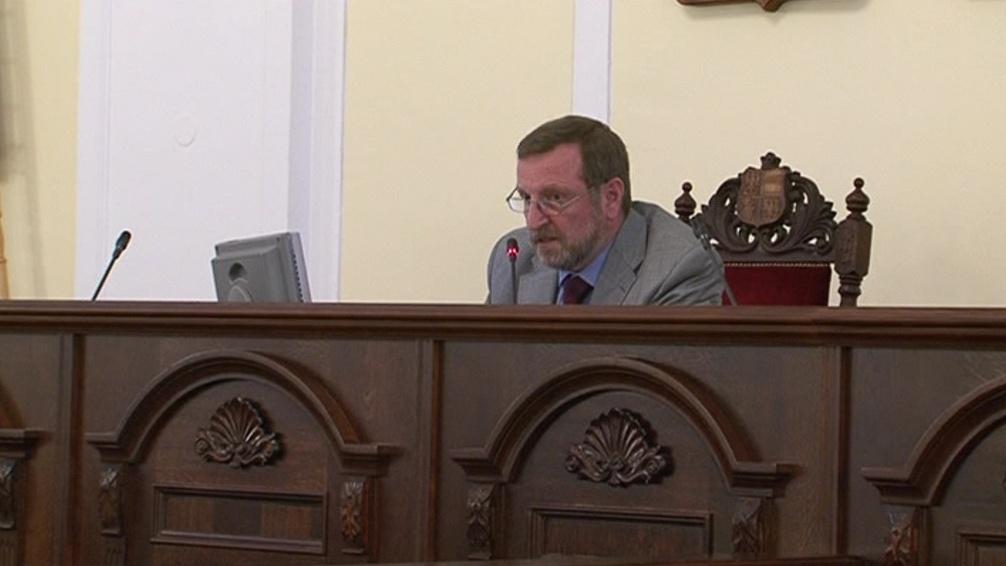 Ustavující zastupitelstvo vedl nejstarší zvolený člen Pavel Březa (KSČM)