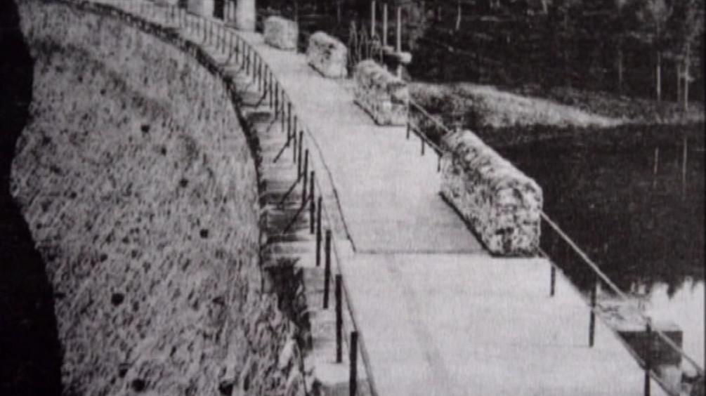 Historické snímky budování Jevišovické přehrady
