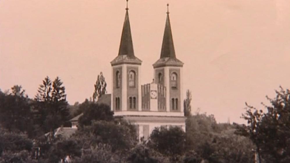 Kostel ve Vanovicích na historické fotografii