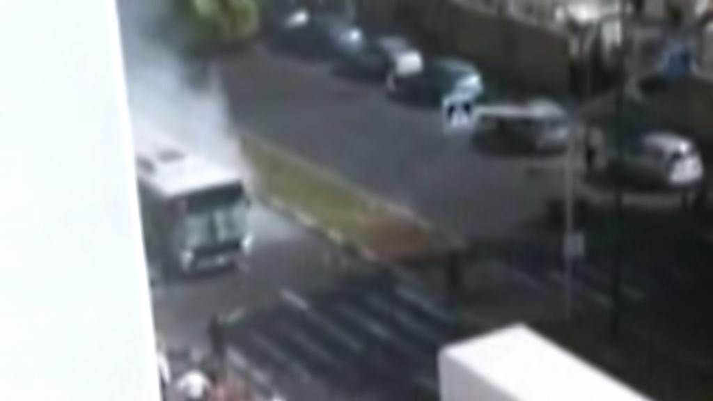 Výbuch v autobuse v Tel Avivu