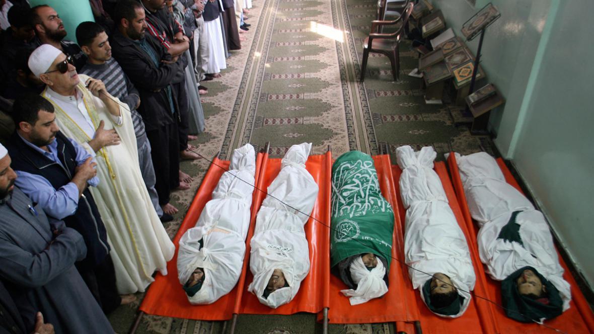 Pohřeb palestinských obětí izraelského bombardování