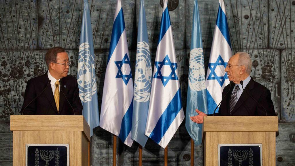 Generální tajemník OSN Pan Ki-mun a izraelský prezident Šimon Peres