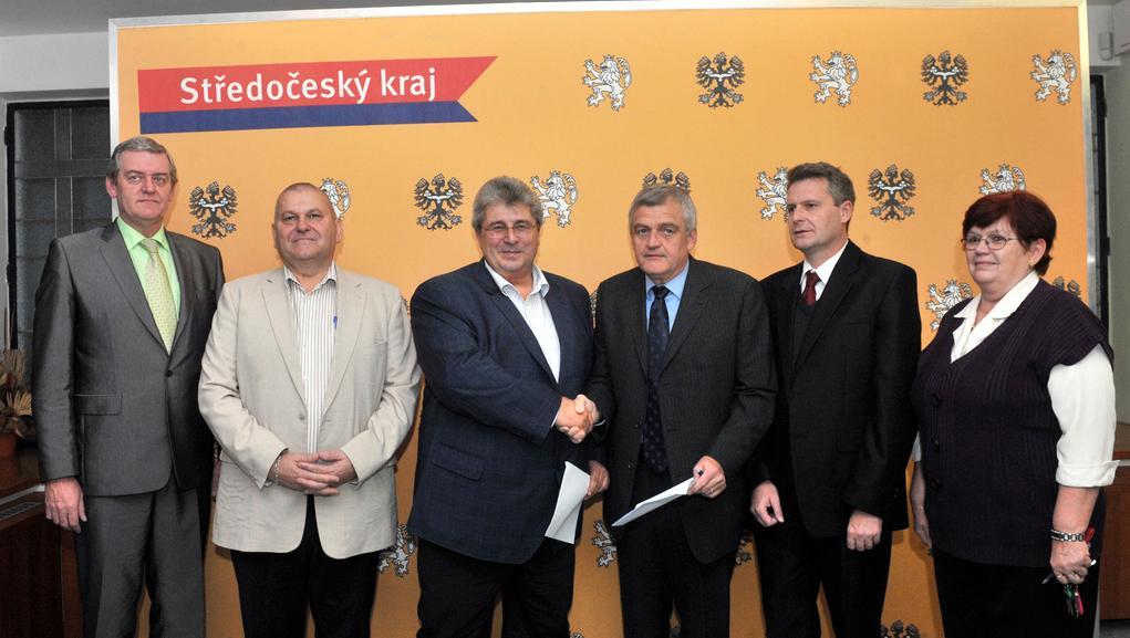 Podpis o zastupitelské dohodě mezi středočeskou ČSSD a KSČM