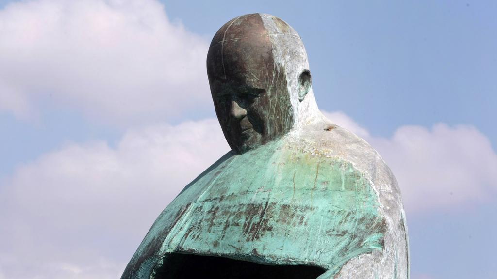 Původní podoba sochy Jana Pavla II.