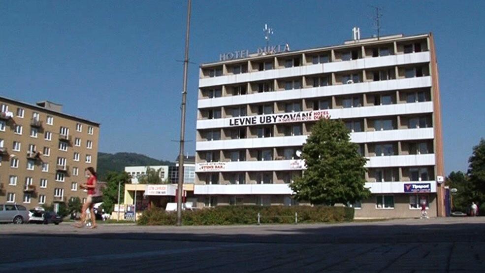 Hotel Dukla se změnil na levnou ubytovnu