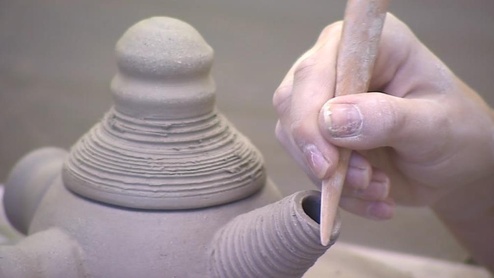 Majitelům keramických dílen už teď chybí řemeslníci