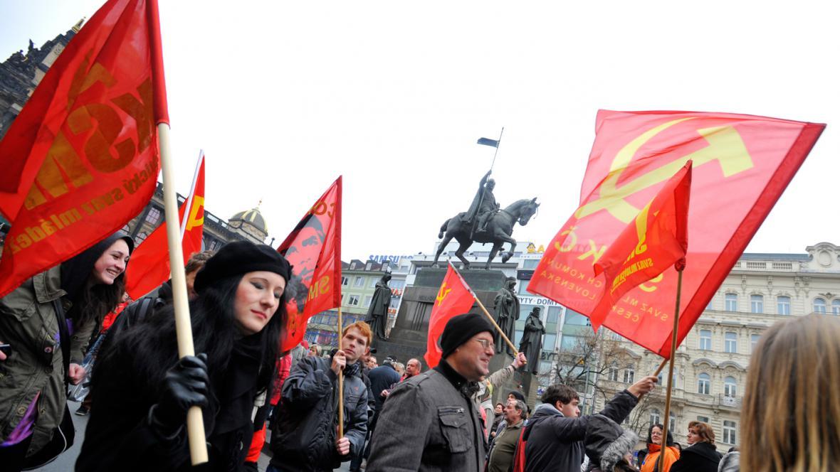 Pražská protivládní demonstrace odborů a občanských iniciativ