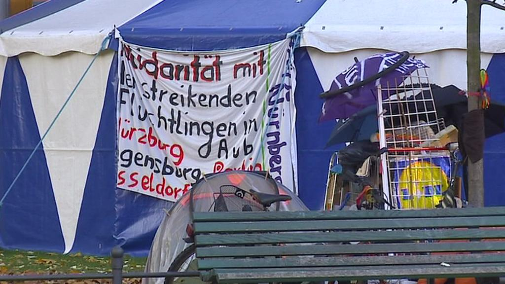Utečenci postavili v Berlíně stanové městečko