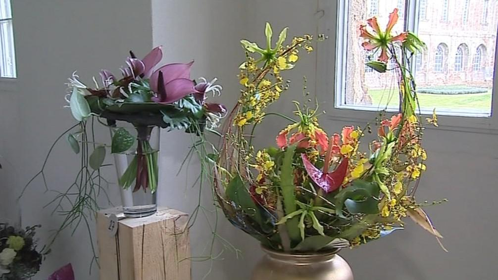 Floristé vázali živé i sušené květiny