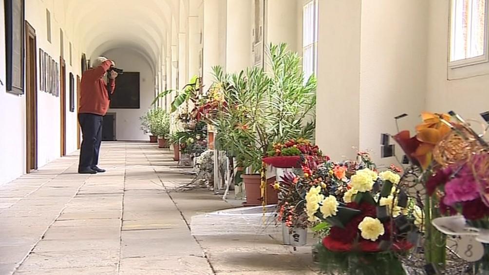 Výstava je umístěna do benediktinského kláštera