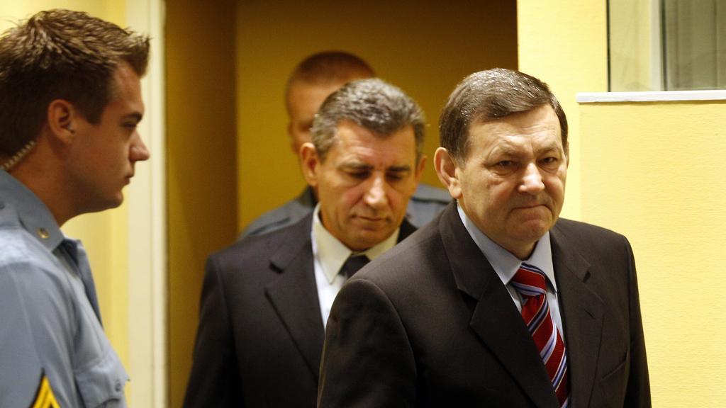 Mladen Markać a Ante Gotovina před tribunálem v Haagu